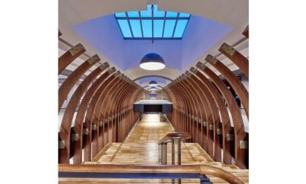 La realizzazione dimostra sostenibilità, per esempio nelle costruzioni impegnative in legno.