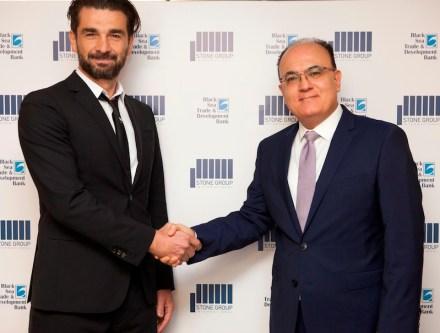 Handshake after signing the contract: Ioannis Antoniadis, President of SGI (left), and Ihsan Ugur Delikanli, President of BSTDB. Fotos: SGI