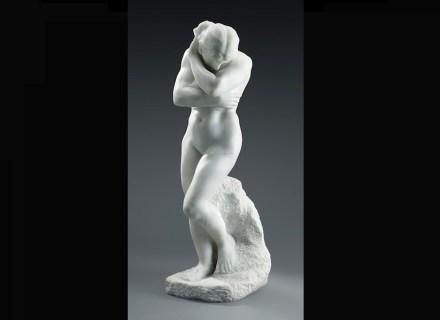 """Auguste Rodin: """"Eva"""", Kleine Version (für """"Das Höllentor"""") 1883, Marmor, ungefähr 1895–1900, 76 × 24,5 × 31,5 cm. Art Gallery of Ontario, Toronto, Geschenk von Mr. and Mrs. Frank P. Wood, 1928."""