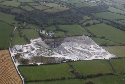 The Threecastles-Quarry is situalted near the city of Kilkenny in County Kilkenny, Ireland in the middle of the Green Island.