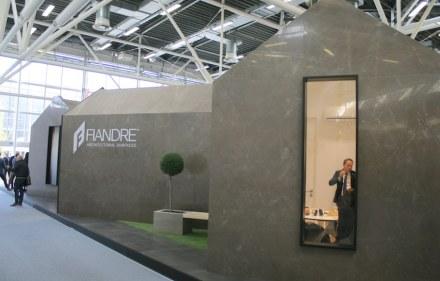 """<a href=""""http://www.granitifiandre.com/""""target=""""_blank"""">Fiandre</a>"""