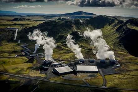 Hellisheidi geothermal power plant. Photo: Arni Saeberg / Climeworks