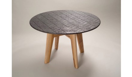 "Peca: ""Lava table""."