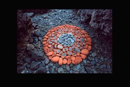 Hama Lohrmann: stones, earth pigments. Goa, 2005.