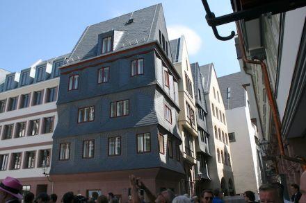 House Markt 14.
