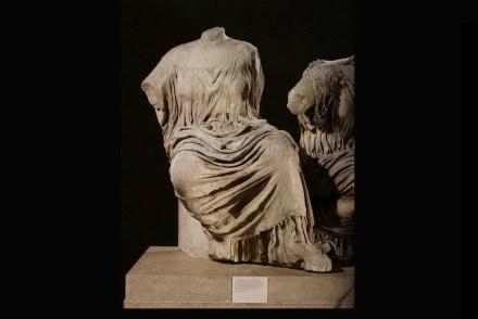 Göttin, die aufsteigt, Figur K vom östlichen Giebel des Parthenon, etwa 438-432 v. Chr. © The Trustees of the British Museum.