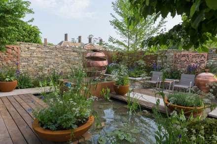 """The Silent Pool Gin Garden"". Photos: RHS/Sarah Cuttle"