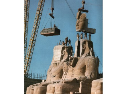 One of the statues of Ramesses gets back its face at the new site. Photo: Per-Olow Anderson / Wikimedia Commons