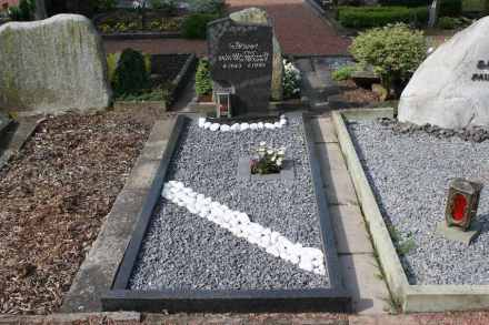 Cemeteries have long used gravel as a decorative element