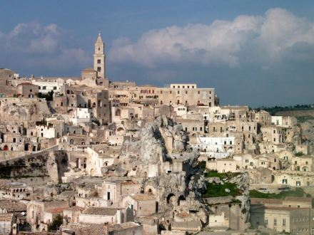 "I Sassi, Matera. Foto: Böhnisch / <a href=""http://commons.wikimedia.org/""target=""_blank"">Wikimedia Commons</a>"