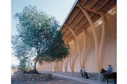 "Vinyard Pérez Cruz, Chile. Planing: José Cruz Ovalle. Photo Juan Purcell. Source: Exhibition ""Building in Wood"", Berlin."