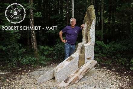 Robert Schmidt-Matt (Berlin) verwandelte den Rohblock in eine Skulptur mit einem beweglichen Teil.