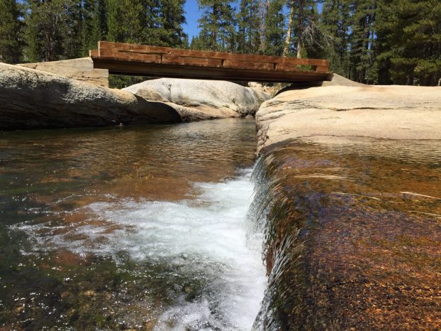 Crossing Lyell Fork (2)