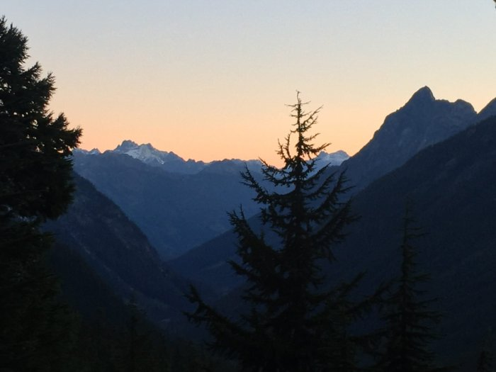 Pink sky at sunrise in the North Cascades