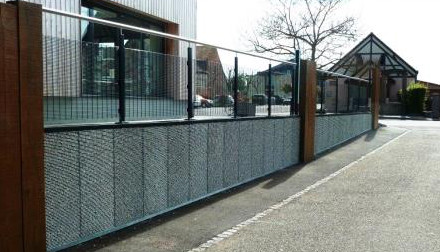 Parement de mur extérieur en gabion