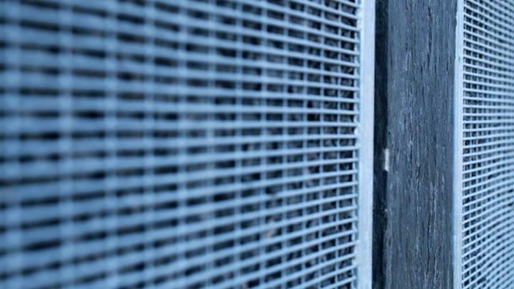 zoom sur un panneau gabion avec un grillage fin