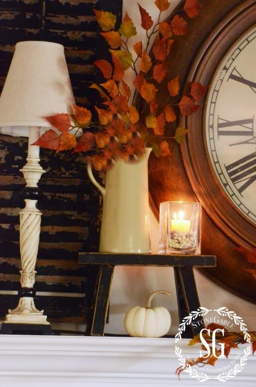 EASY FALL MANTELlittle-black stool-stonegableblog.com