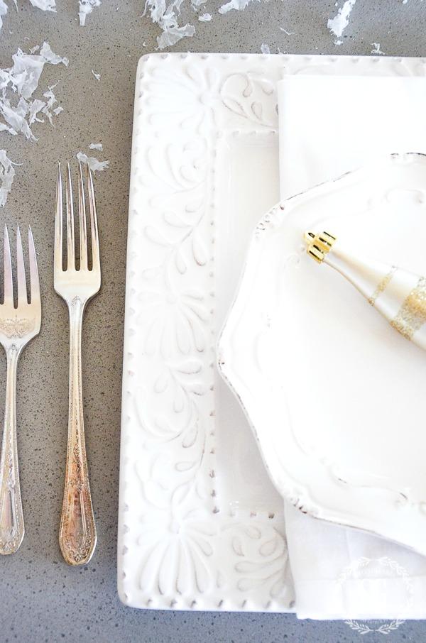 WINTER WHITE CHRISTMAS TABLESCAPE-white-dishes-stonegableblog.jpg