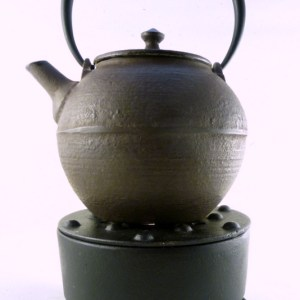 Cast Iron Teapot with Warmer (28 oz.)