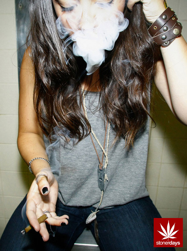 Girls Smoking Weed Hd Wallpaper Stay Blazed Everyday Stoner Pictures