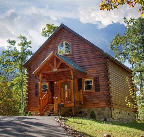 4 Reasons to Stay at a Secluded Cabin in Gatlinburg