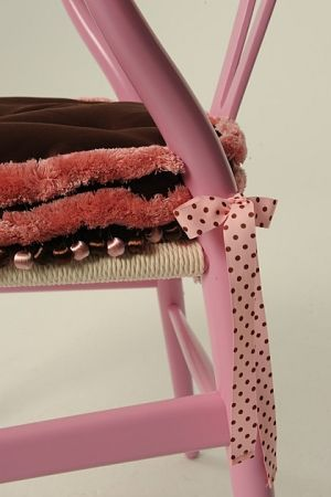 Polka Dot Fun! Accessorise your Chair!