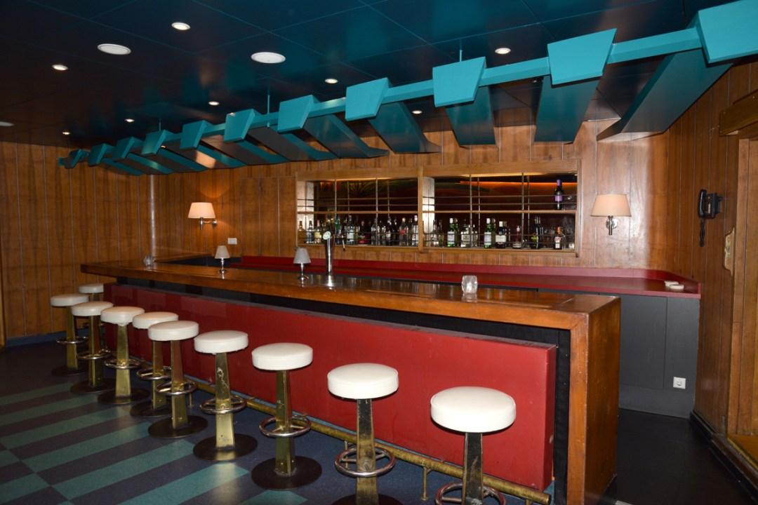 Baldachin in Tropic Bar completed