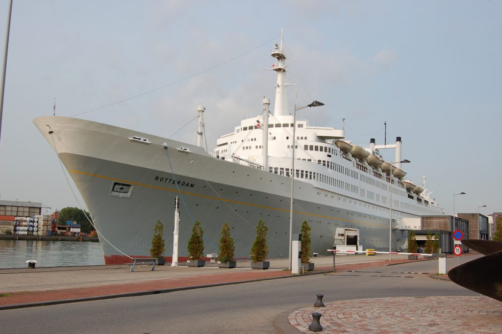The hotel on the ss Rotterdam is open and tours are possible