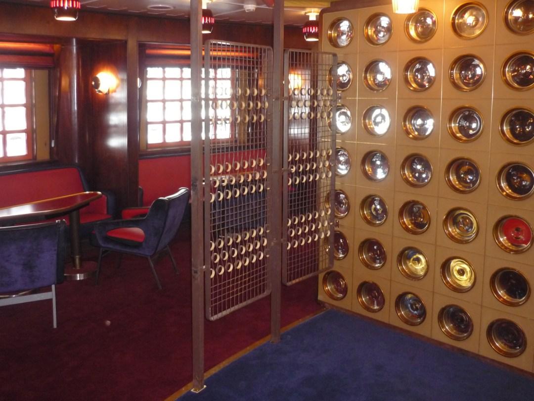 Origineel hekwerk in de Ambassador room