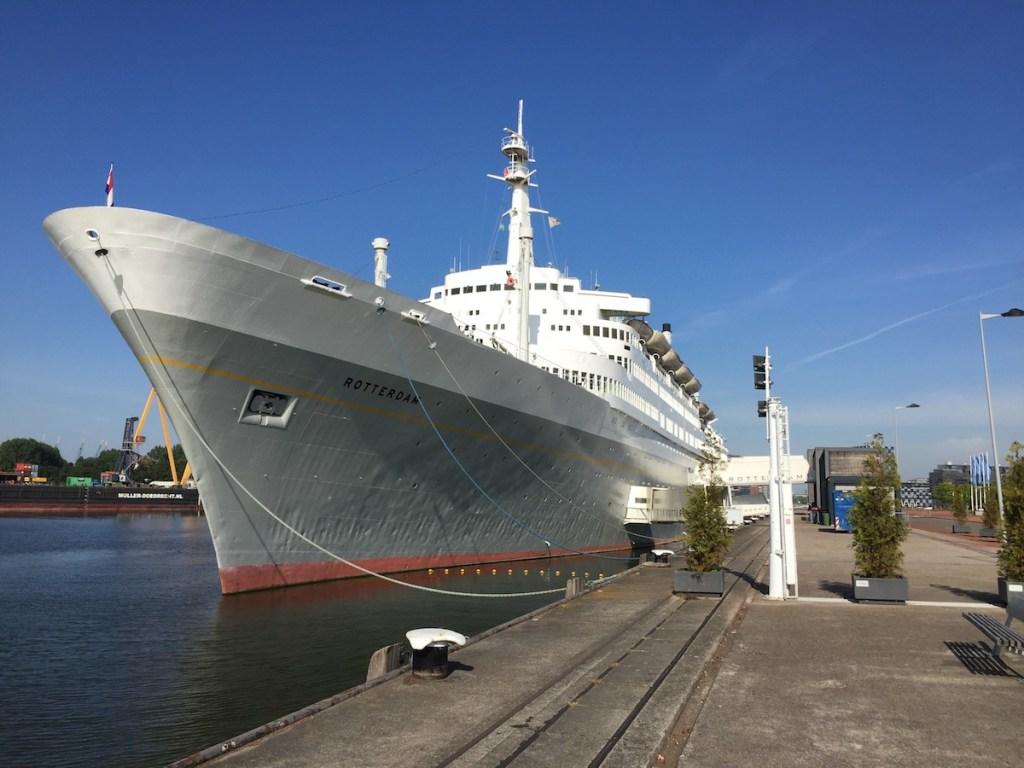 Het ss Rotterdam tijdens de lock down