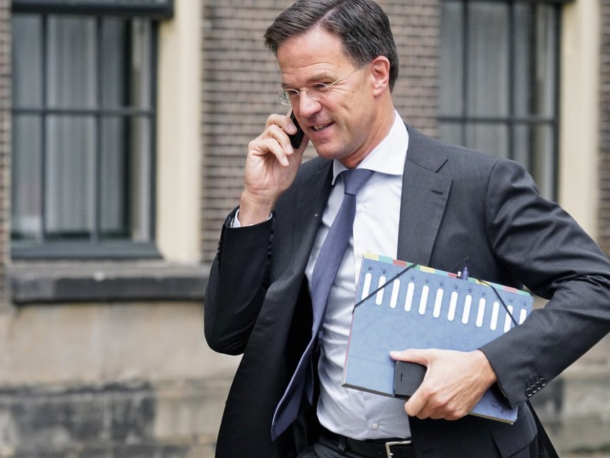 https://www.stopdebankiers.com/le-monde-over-ideale-schoonzoon-rutte/