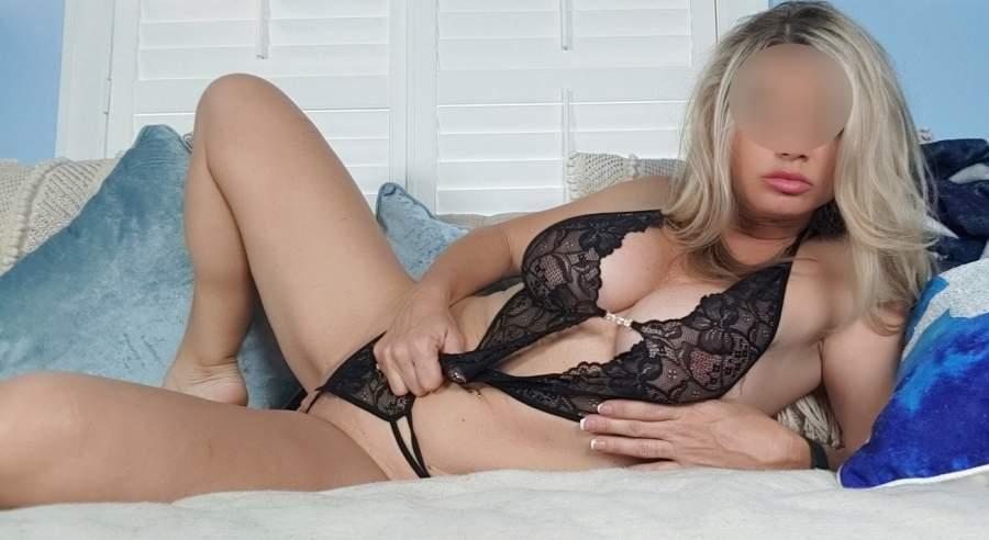bellissima donna cougar di sondrio incontra uomini sexy