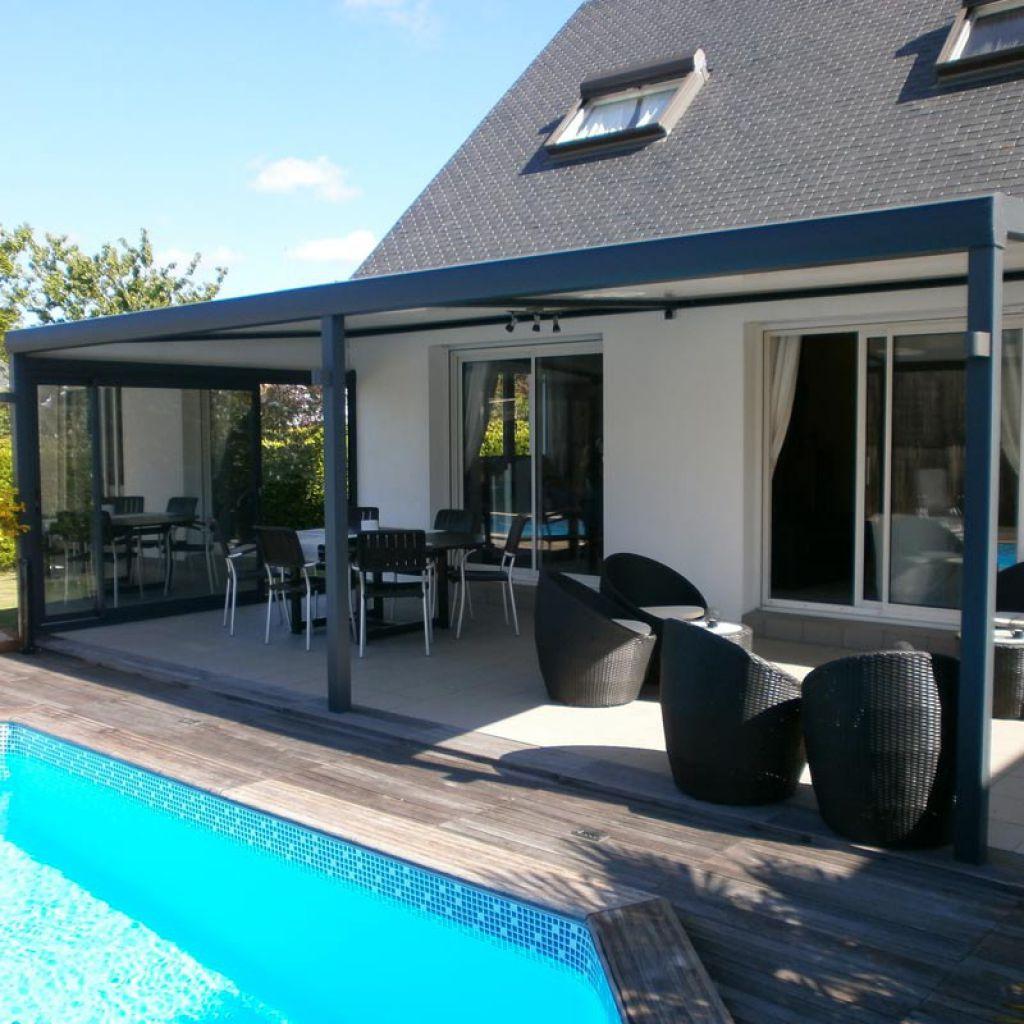Pergola bioclimatique pour terrasse et jardin