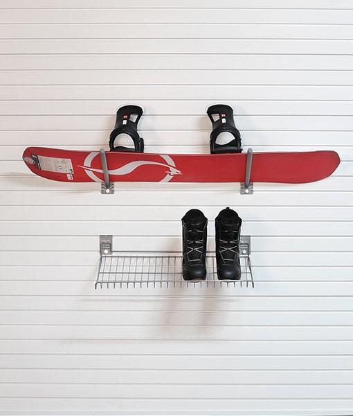 basic snowboard organizer
