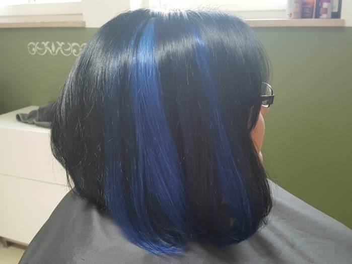 Tri-Tec Color-Spots in den Haaren fertig blau