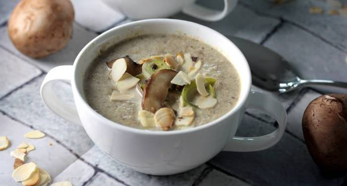 Low Carb Pilzrahmsuppe-Rezept-lowcarb