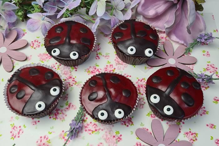 Schokomuffins-Marienkäfer Low Carb Muffins-Muffins