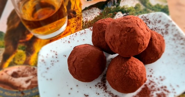 Low Carb Kaffee Whisky Kugeln mit Finch