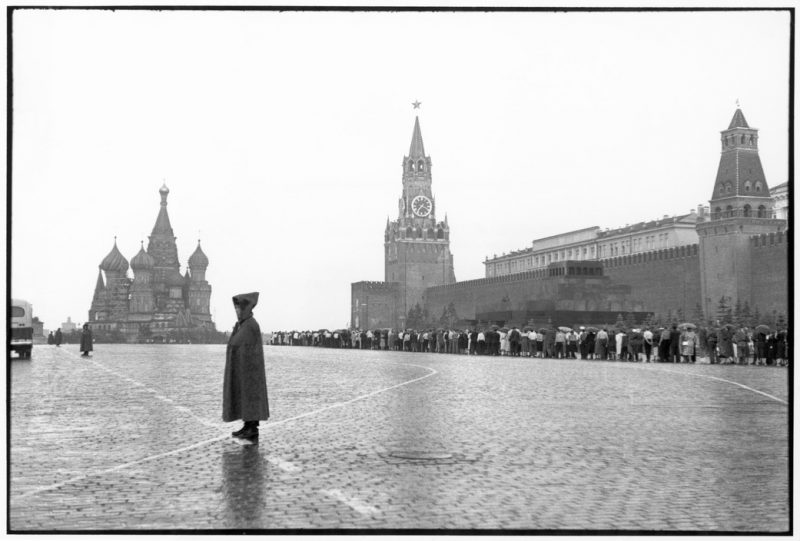 The Decisive Moment: 25 Images of Moscow in 1954 by Henri Cartier-Bresson | Old Pics Archive