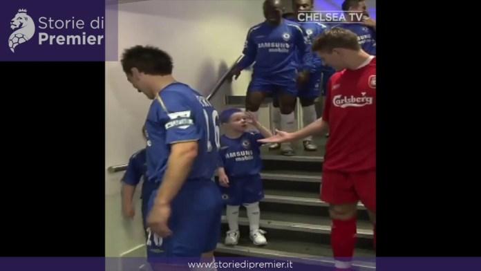 Breve ma intenso: un bambino si fa beffe di Steven Gerrard