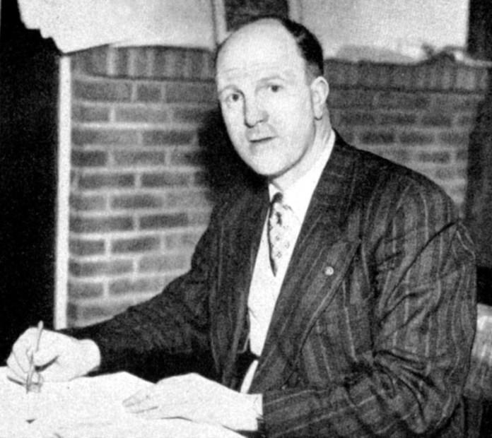 Stan Cullis, leggendario allenatore dei Wolves che lavorò per tre anni con Charles Reep