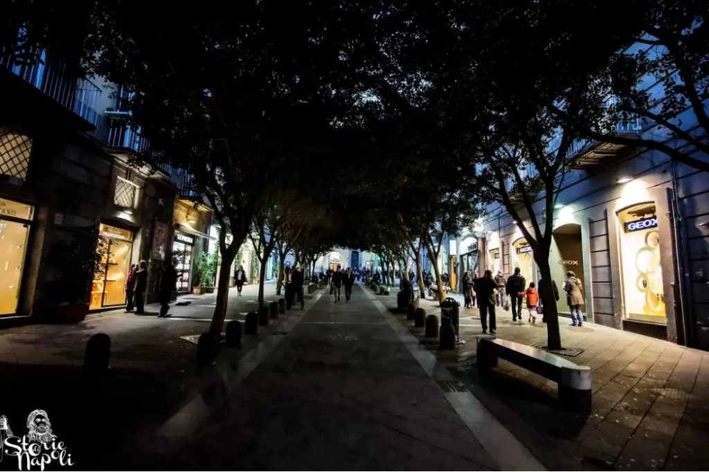 Le origini di Napoli nascoste a Via Chiaia  Storie di Napoli