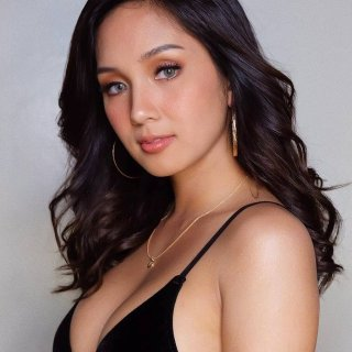 Som Presents : Roxanne Barcelo 4