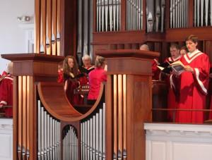 Choir and organ on Easter Sundayl.