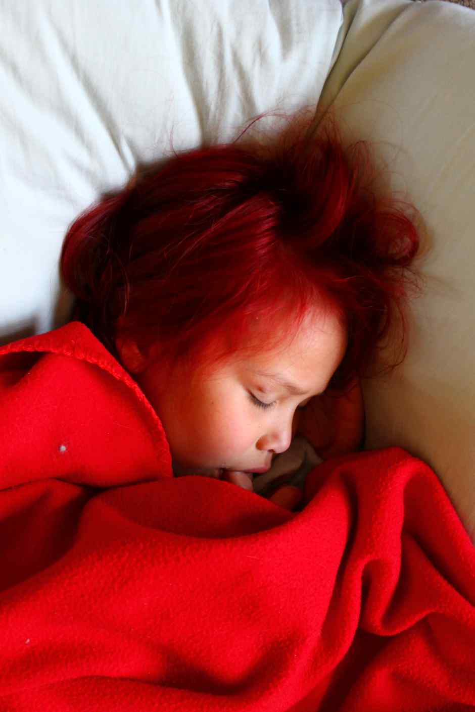 redhaired girl  story of a kitchen
