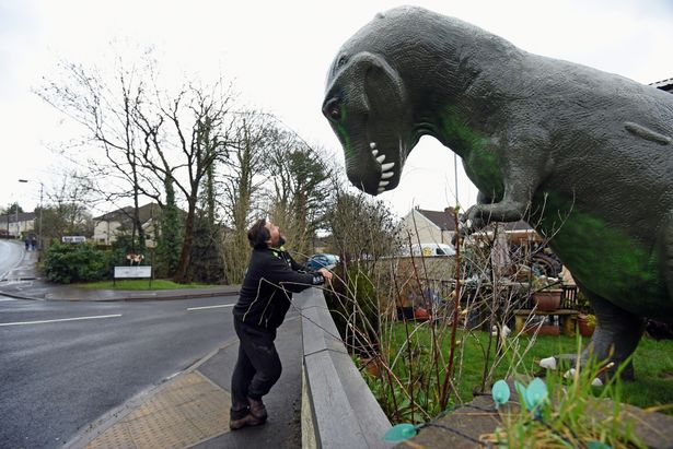Man Buys Life Size Dinosaur For Grandchildren Puts It In Garden