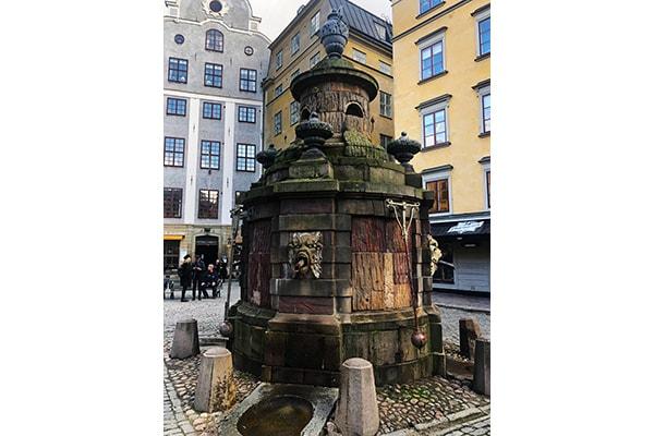 Stortorgsbrunnen in Gamla stan in Stockholm