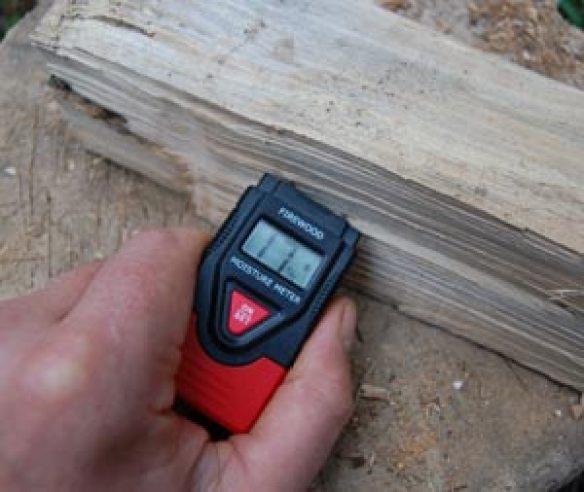 testing firewood moisture