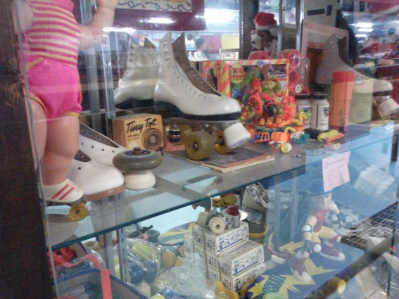 glass-cases-Circus Skate-Murray Kentucky