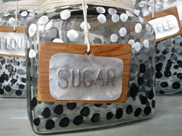 ombre-dot-glass-canister-set-with-rustic-label-StowandTellU